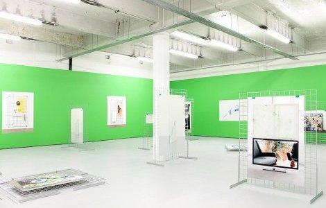 "It's Our Playground, vue de l'exposition ""Screen Play"" à SWG3 Gallery, Glasgow, 2014. Image courtesy IOP."